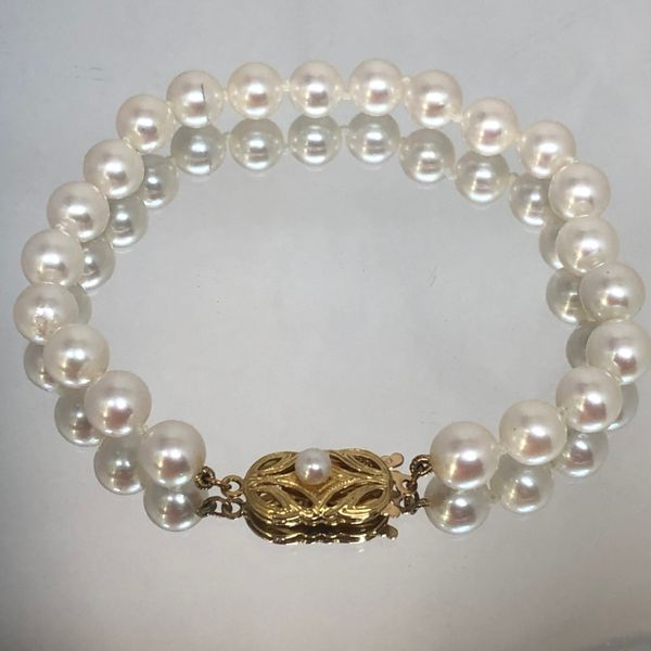 """7.5"""" Gem Quality Pearl Bracelet with 18k Yellow Gold Pearl Accent Catch Image 2 Brummitt Jewelry Design Studio LLC Raleigh, NC"""