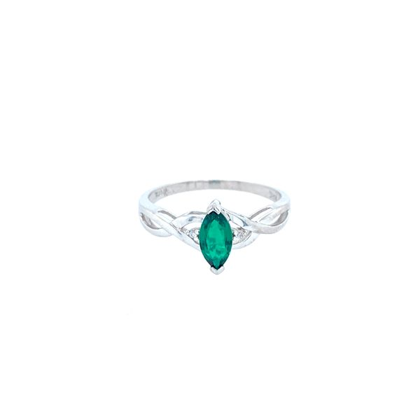 Emerald Ring Confer's Jewelers Bellefonte, PA