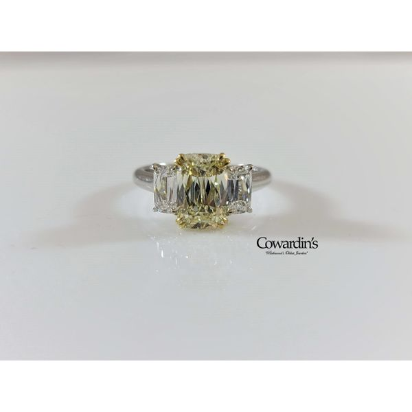 EST-1722 Light Yellow and colorless diamond ring