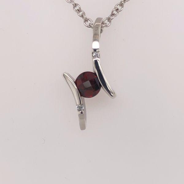 Frank Reubel Pendant Diedrich Jewelers Ripon, WI