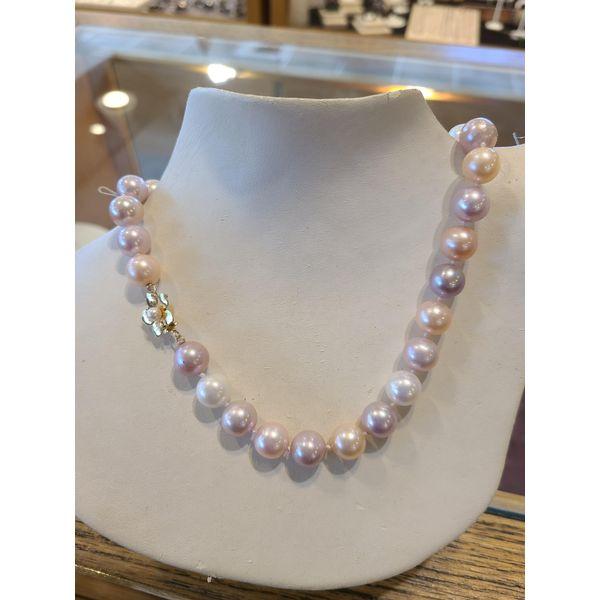 Pearl Necklace Image 2 DJ's Jewelry Woodland, CA