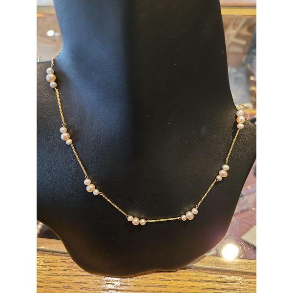 Multi Pearl necklace 2.jpg