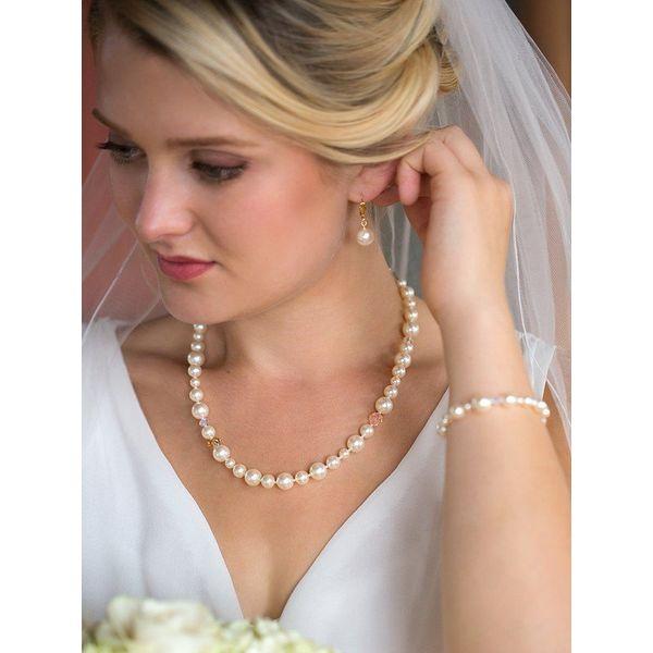 Classic Pearl Necklace Image 2 DJ's Jewelry Woodland, CA