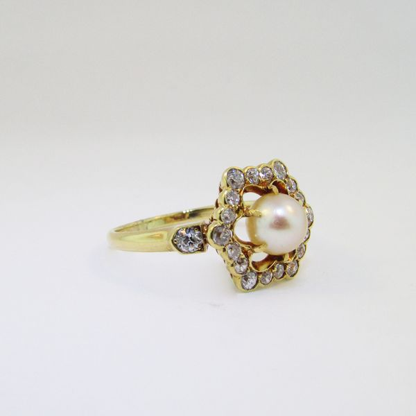 Yellow Gold Diamond Pearl Vintage Ring Image 2 Graham Jewelers Wayzata, MN