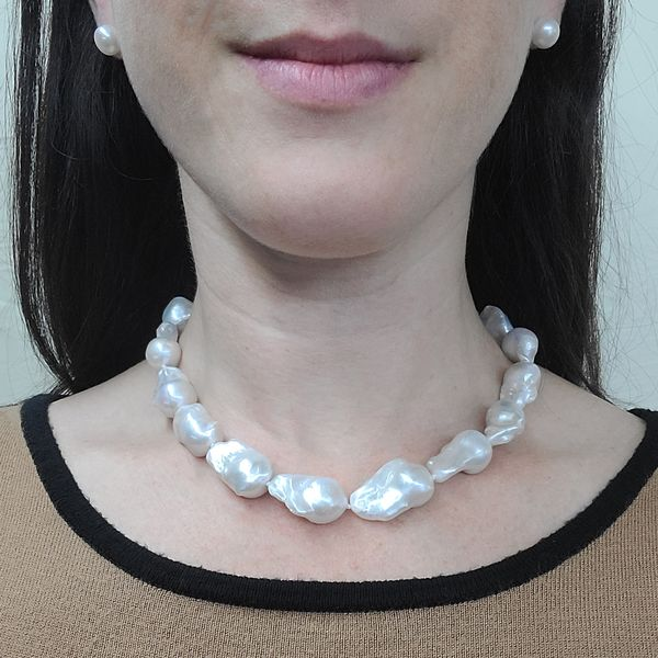 Baroque-Pearl-Choker