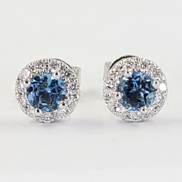 aquamarine-and-diamond-halo-stud-earrings