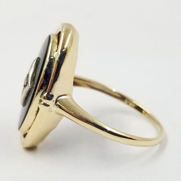 Onyx-diamond-ring