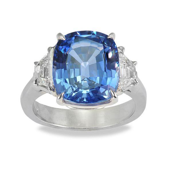 6.13-Carat-Sapphire-ring