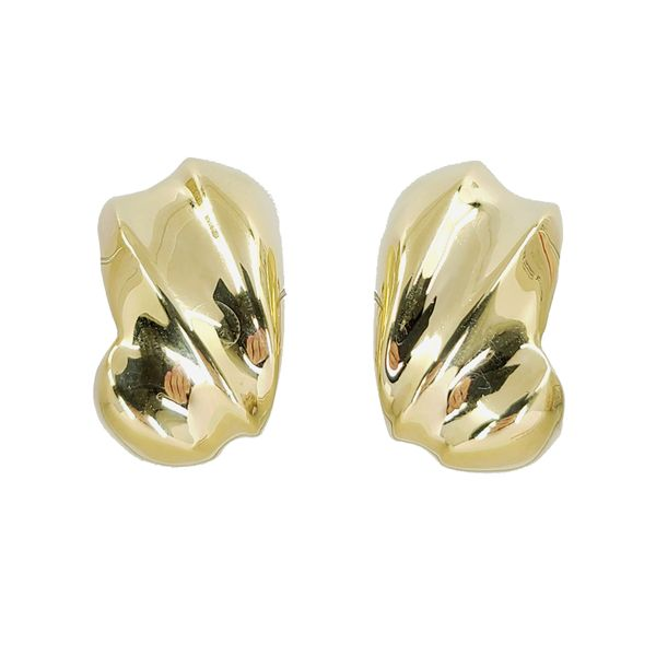 yellow-gold-earrings