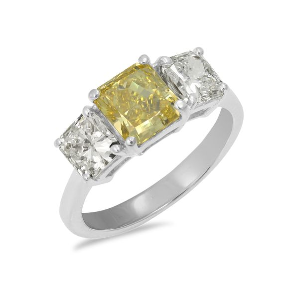 Fancy-Yellow-Diamond-Engagement-ring