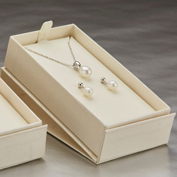 PJ0032POZZSB0-Honora-Pearl-Earrings-and-necklace