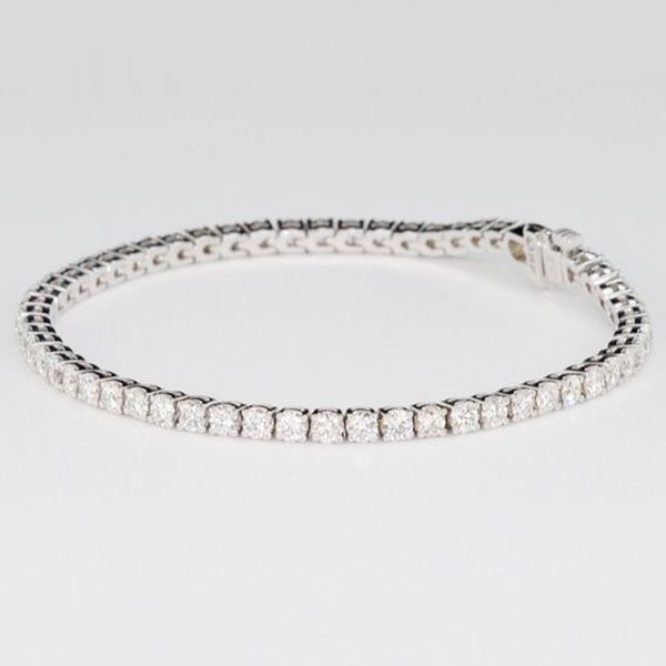 2.05-Carat-Diamond-Tennis-Bracelet