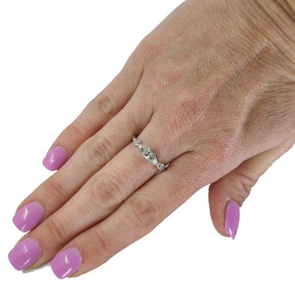 horizontal-marquise-diamond-ring