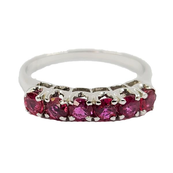 Ruby-and-yellow-gold-ring