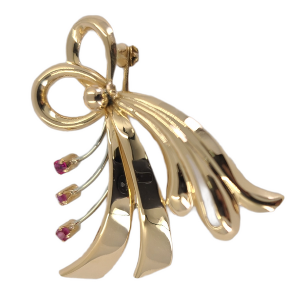 Vintage-ruby-and-rose-gold-pin