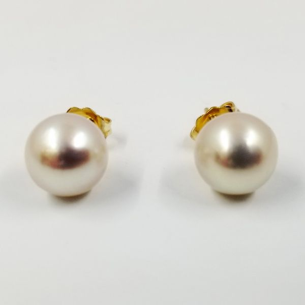 Cultured-pearl-8.5mm-stud-earring
