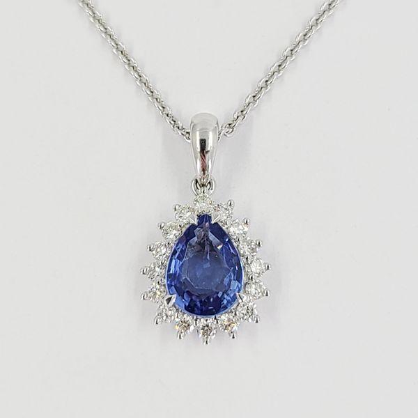 Sapphire-and-diamond-pendant-necklace
