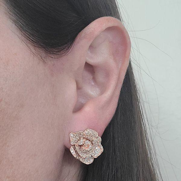 Rose-gold-and-diamond-rose-earrings