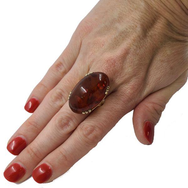 Amber-Cabochon-ring