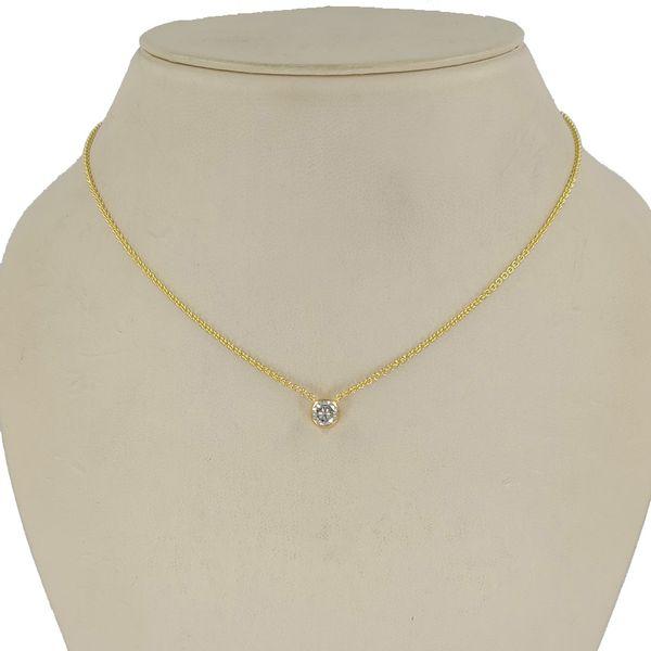 0.50-half-carat-diamond-pendant-necklace