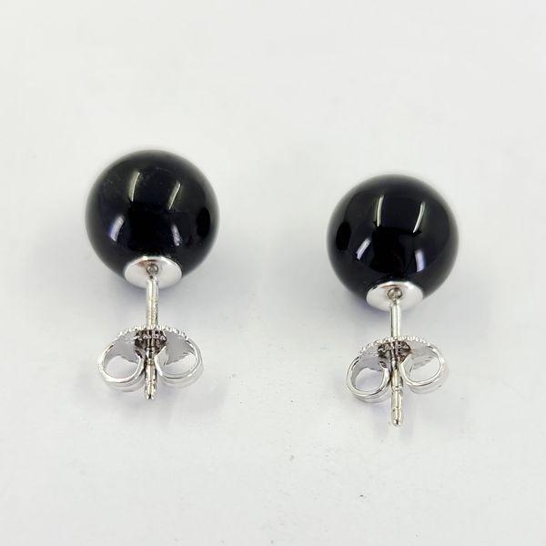 Tiffany-&-Co.-Onyx-stud-earrings