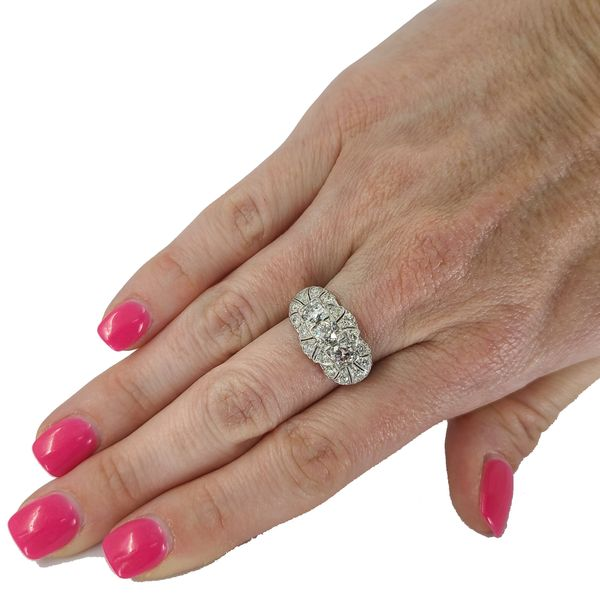 antique-platinim-and-diamond-ring