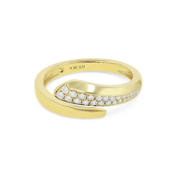 R1537Y-Madison-L-DIamond-and-gold-ring