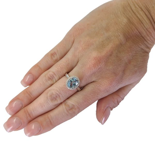 aquamarine-and-diamond-halo-ring