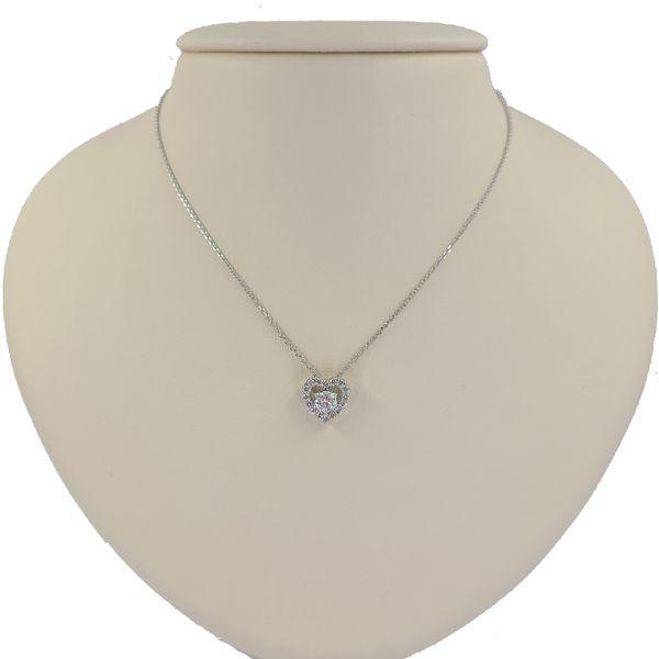 diamond-heart-pendant-necklace