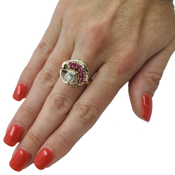 Diamond-Ruby-Rose-Gold-ring