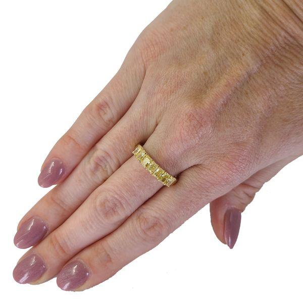 natural-fancy-intense-yellow-diamond-wedding-band