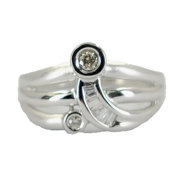 Modern-Diamond-and-white-gold-fashion-ring