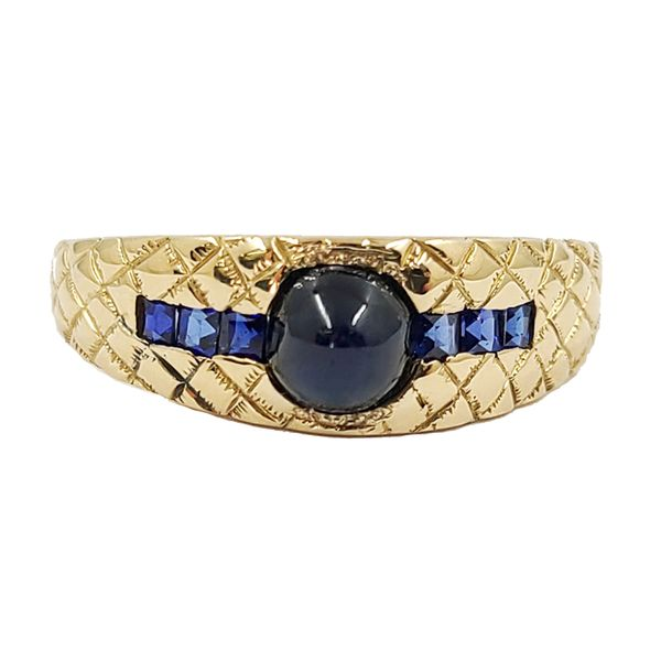Sapphire-and-yellow-gold-ring