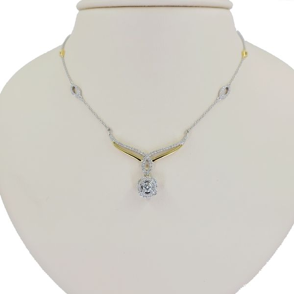 two-tone-diamond-pendant