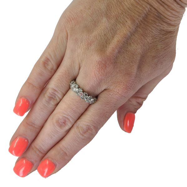diamond-offset-platinum-wedding-band