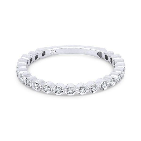 R1113W-bezel-set-diamond-wedding-band