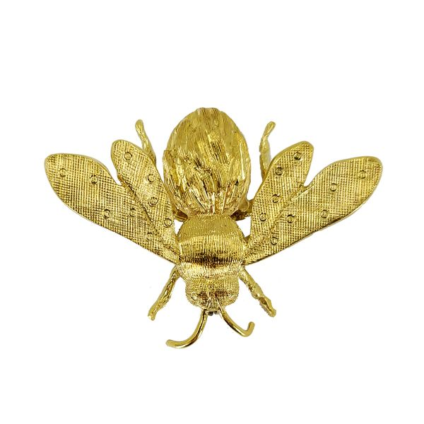 yellow-gold-insect-pin