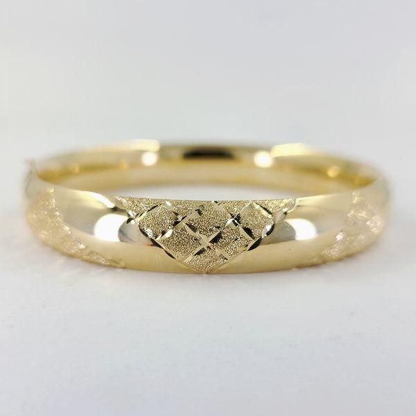 Yellow-gold-hinge-bracelet