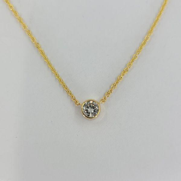 0.25-quarter-carat-diamond-pendant-necklace