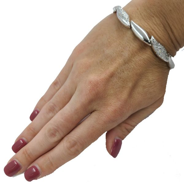 White-Gold-Diamond-bracelet