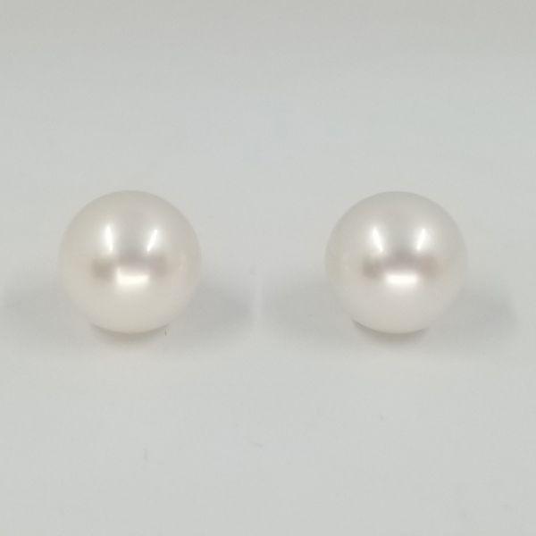 9mm-Pearl-Stud-Earrings
