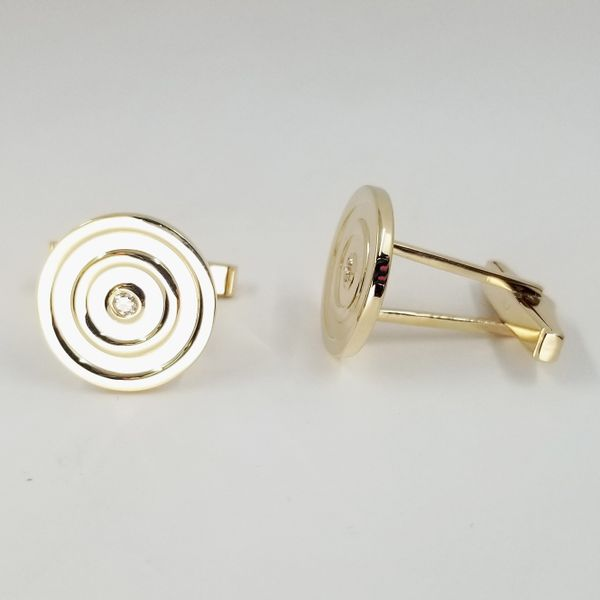 Yellow-gold-diamond-cufflinks