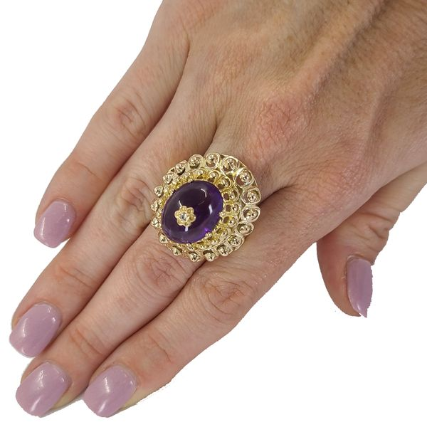amethyst-and-yellow-gold-cocktail-ring