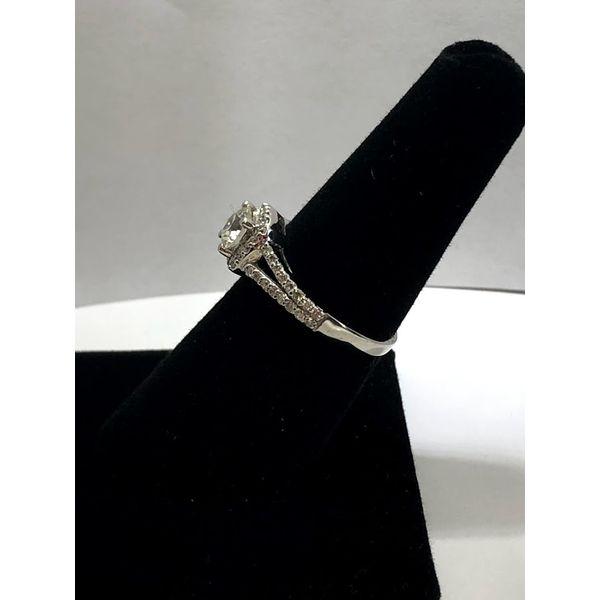 Round Diamond Engagement Ring Image 2 Jerald Jewelers Latrobe, PA