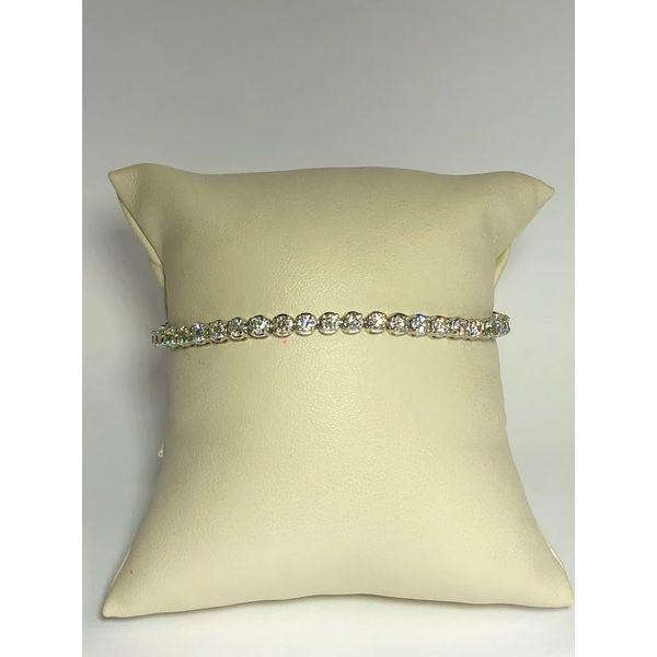 Round Diamond Bracelet Jerald Jewelers Latrobe, PA