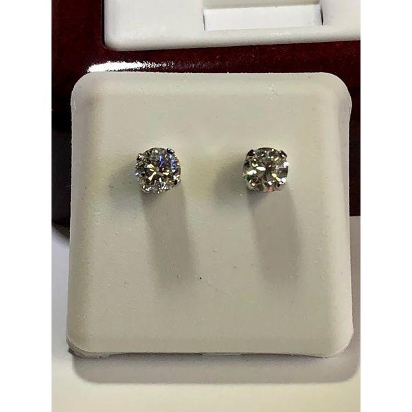 Round Diamond Studs Jerald Jewelers Latrobe, PA