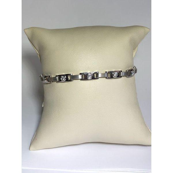 Diamond Link  Jerald Jewelers Latrobe, PA