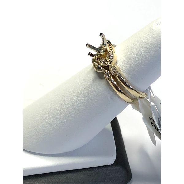 14kt YG Curved diamond wedding band Image 2 Jerald Jewelers Latrobe, PA