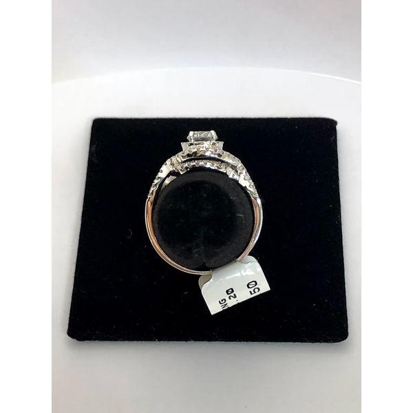 Round Halo Engagement Ring Image 3 Jerald Jewelers Latrobe, PA