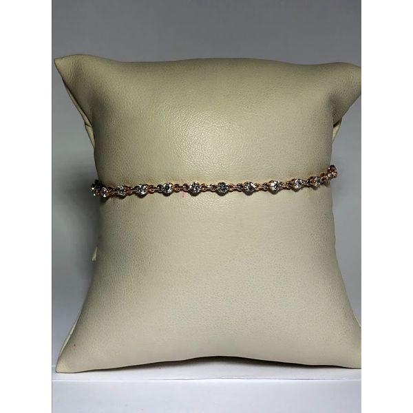 Shared prong Diamond Bracelet Jerald Jewelers Latrobe, PA